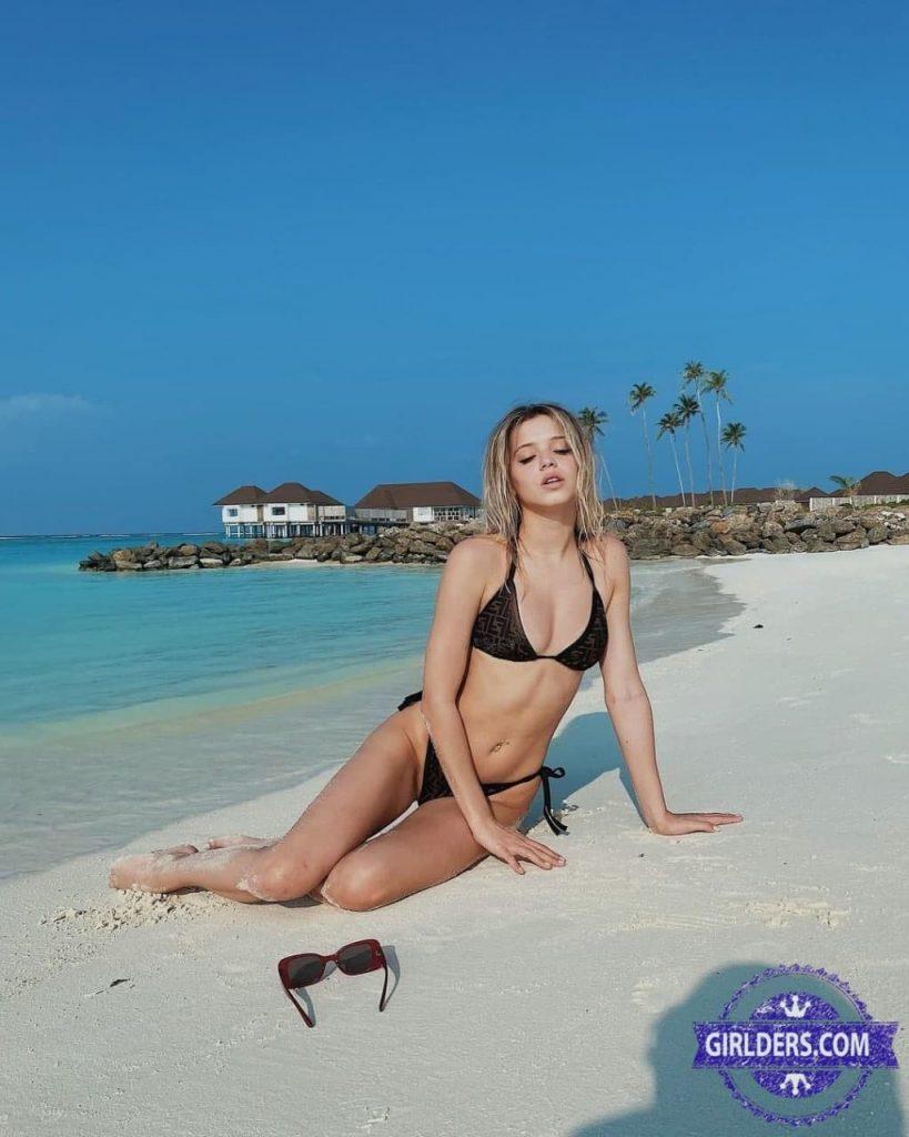 Юлька Шпулька горячие фото на пляже